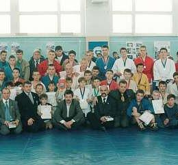 Открытое личное первенство Южно-Сахалинска по борьбе самбо, посвященное Дню Конституции РФ Победители и призеры соревнования г.Южно-Сахалинск 6-7 декабря 2003