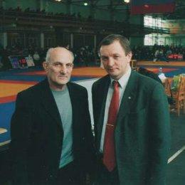 Слева направо: Рахлин А.С. - тренер Президента РФ Путина В.В., Кардаш В.И. - вицепрезидент Дальневосточной Федерации дзюдо
