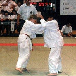 Матчевая встреча по дзюдо в г.Саппоро (Япония), слева Анастасия Кардаш август 2004г.