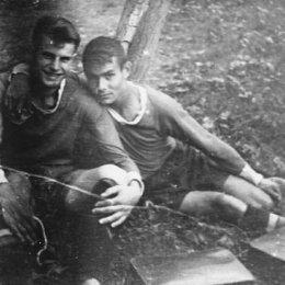 """Юношеская футбольная команда """"Спартак"""" Слева Владимир Кукуев 1953 год"""
