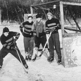 Сахалинская сборная по хоккею с мячом на турнире в Уссурийске, 1960 год