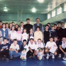 Участники открытого первенства СКА ДВО. Хабаровск. 5-11.2001.