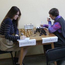 Чемпионат Южно-Сахалинска по классическим шахматам среди женщин. Камила Комогорова - Тамара Антогина - 0:1.
