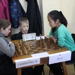 Чемпионат Южно-Сахалинска по классическим шахматам среди женщин. Мария Смирнова - Татьяна Бэ - 0:1.