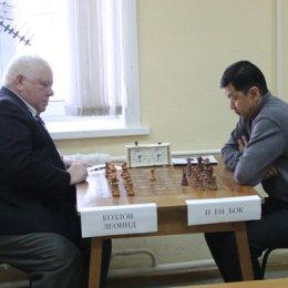 Чемпионат Южно-Сахалинска по классическим шахматам среди мужчин. Леонид Козлов - Сергей И - 0:1.