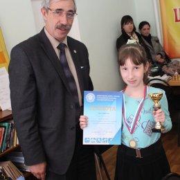 Юлия Смирнова, победительница первенства Сахалинской области 2013 года в среди девочек до 12 лет.