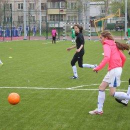 Товарищеский матч между женскими командами СахГУ и восьмой школы