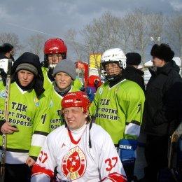 Команда села Онор с легендой хоккея СССР