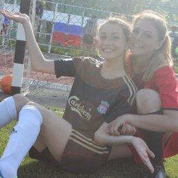 Футбольный матч между командами девушек Южно-Сахалинска и Невельска