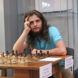 Международный гроссмейстер Константин Тарлев (Харьков).