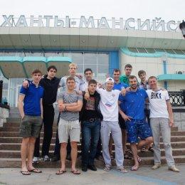 Команда ДВФУ на Всероссийской универсиаде в Ханты-Мансийске. Андрей Барановский - крайний справа в нижнем ряду.
