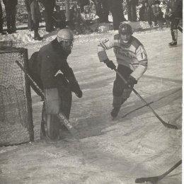 Хоккейный матч в Александровске-Сахалинском, середина 1970-х годов.