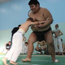 Совместные с тренировки со спортсменами Федерации сумо Хоккайдо