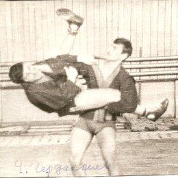 Бросок проводит Г. Чердаклиев, один из сильнейших островных самбистов конца 1960-х годов