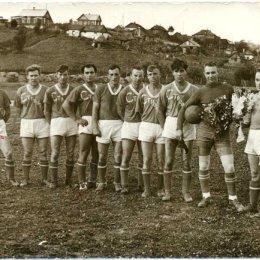 """Команда """"Строитель"""" (Александровск), 1960-е годы"""