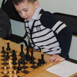 Один из первых моих турниров. Я еще даже не научился нормально сидеть ))