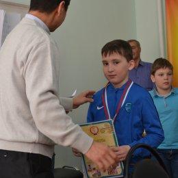 Сергей Юрьевич И награждает меня на городских соревнованиях