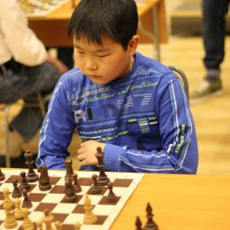 Матч между юными островными шахматистами и сотрудниками компаний нефтегазовой отрасли