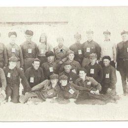 Участники лыжных соревнований в поселке Армудан, 1939 год