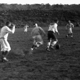 Футбольный матч в поселке Рубэцу (1946 год). Не слышали о таком поселке? Он существовал на острове Итуруп в первые послевоенные годы…
