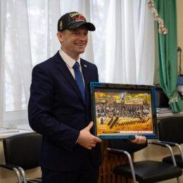 Сергей Буренков поздравил победителей Азиатской Хоккейной Лиги