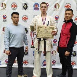Александр Фесь завоевал серебряную медаль чемпионата ДФО по киокусинкай