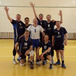 Сахалинские волейболисты стали победителями дальневосточного турнира ветеранов