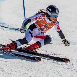 Горнолыжница Анна Шухова готовится к сезону в составе юниорской сборной страны