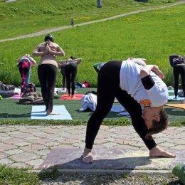 Сахалинцы отпраздновали Международный день йоги