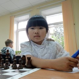 В городской юношеский турнир по шахматам заявились 45 участников