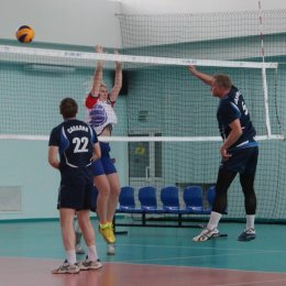 Волейболисты из администрации Южно-Сахалинска стали победителям турнира в рамках «Кубка губернатора»