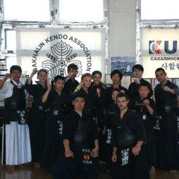 Обладатель V дана провел мастер-класс по кендо в Южно-Сахалинске