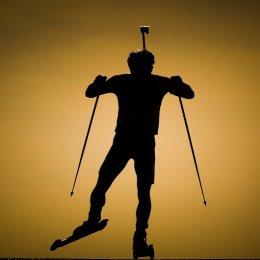 На Сахалин прилетела паралимпийская сборная команда России по лыжным гонкам и биатлону