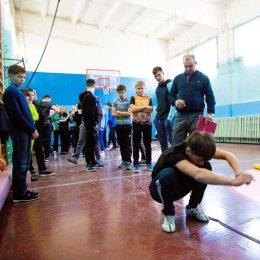 Школьники села Дальнего состязались в многоборье ГТО