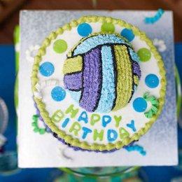 С Днем рождения, волейбол!