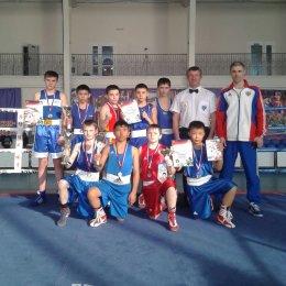 Островитяне «набоксировали» восемь медалей