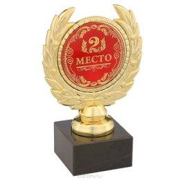 Члены островной сборной восемь раз становились победителями и призерами первенства федерального округа