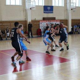 Баскетболисты из Южно-Сахалинска завоевали Кубок островного региона по баскетболу