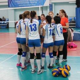Команды девушек ВЦ «Сахалин» завоевали серебряные и бронзовые медали на открытом турнире в Хабаровске
