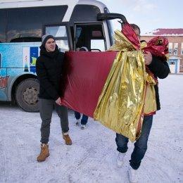 Хоккеисты ПСК «Сахалин» поздравили с Новым годом воспитанников Троицкого детского дома