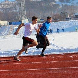 Островные легкоатлеты выявили обладателей медалей в беге и толкании ядра