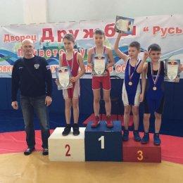 Островные борцы завоевали пять медалей на турнире в Хабаровске