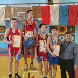 Островные борцы завоевали четыре медали на дальневосточном турнире во Владивостоке