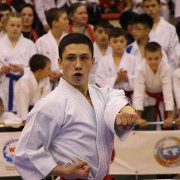 150 юных спортсменов посвятили в каратисты на Сахалине