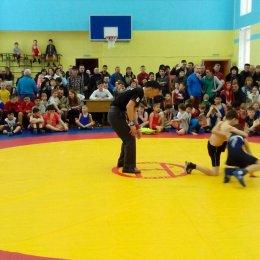 Почти 100 участников собрало открытое первенство Анивского городского округа по греко-римской борьбе