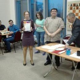 Дарья Хохлова завоевала титул чемпионки ДФО по быстрым шахматам