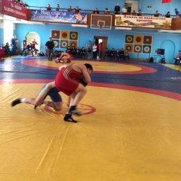 Островные борцы вольного стиля завоевали медали всех достоинств на чемпионате ДФО
