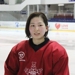 Хоккеистки из Японии тренируются в Южно-Сахалинске