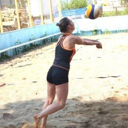 В ближайшие выходные в Южно-Сахалинске будут сыграны первые матчи чемпионата области по пляжному волейболу