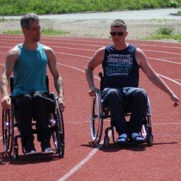 Сахалинские спортсмены с ограниченными возможностями здоровья получили новые инвалидные коляски